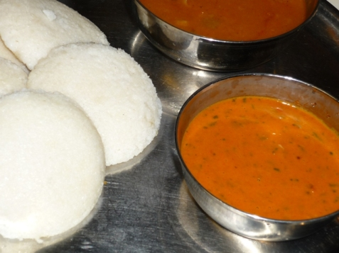Served with Idli